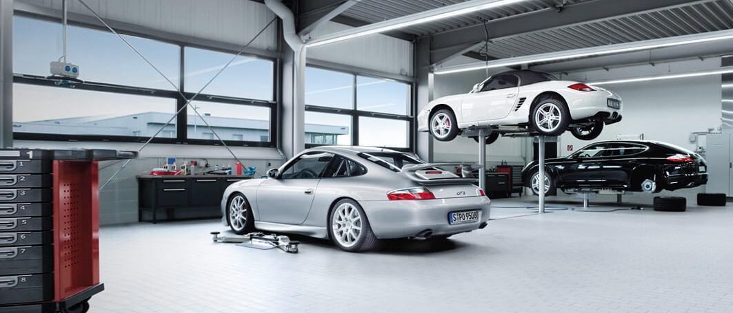 Porsche Car Service Centers Luxury Automotive Workshop In Delhi